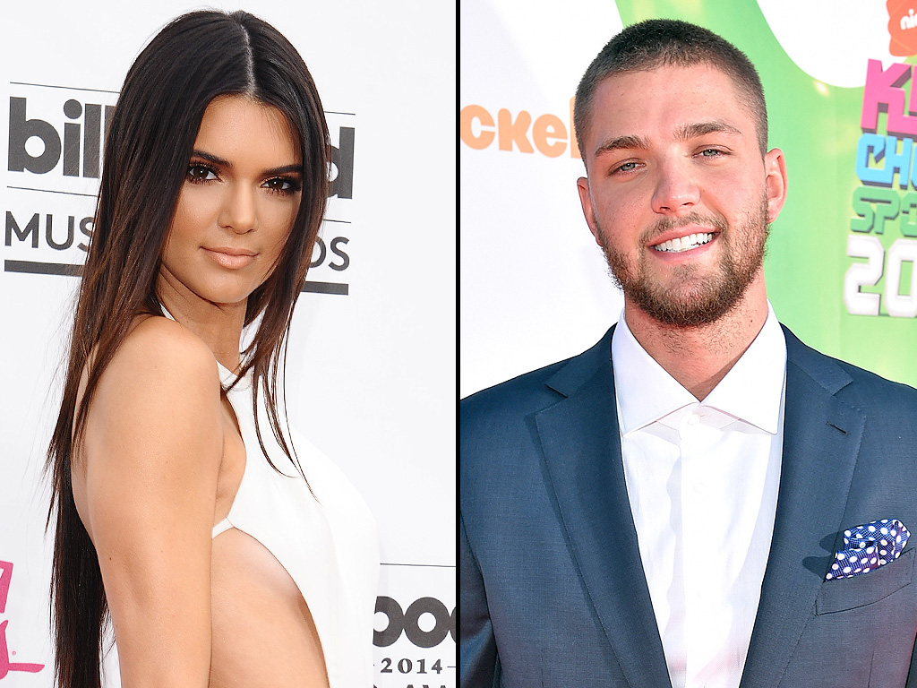 Kendall Jenner Flirts with Dallas Mavericks Player Chandler Parsons Over Dinner
