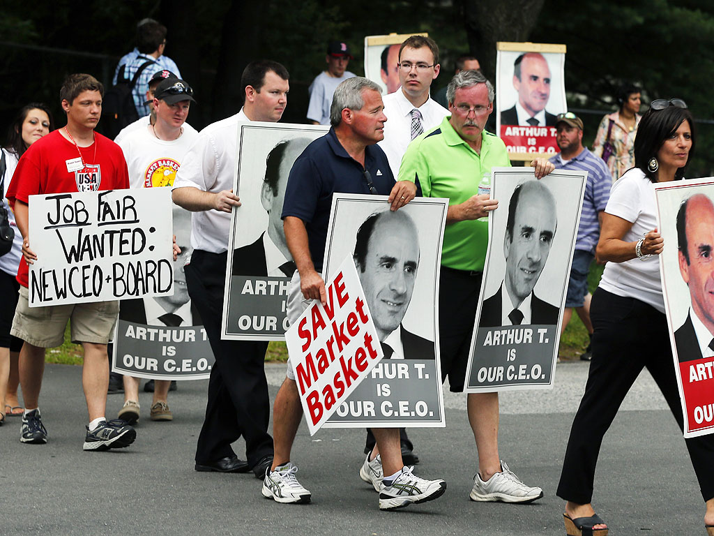 Market Basket Grocery Chain Workers Want Their Beloved  Fired Boss Back