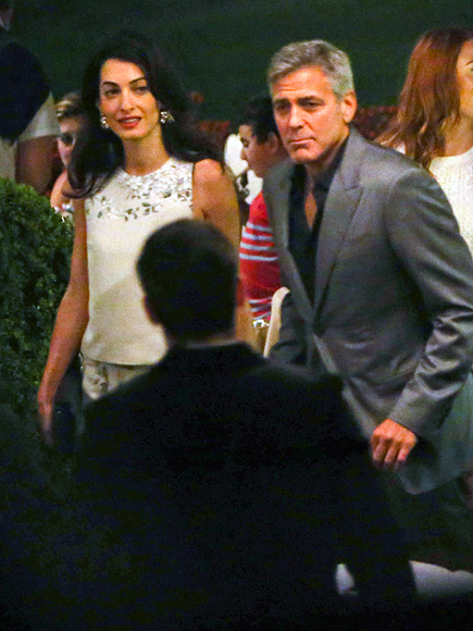 George Clooney and Amal Alamuddin Share Romantic Dinner in Italy (PHOTOS)