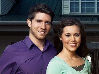 PHOTO: Jessa and Ben Seewald Celebrate Their Fifth 'Monthiversary'