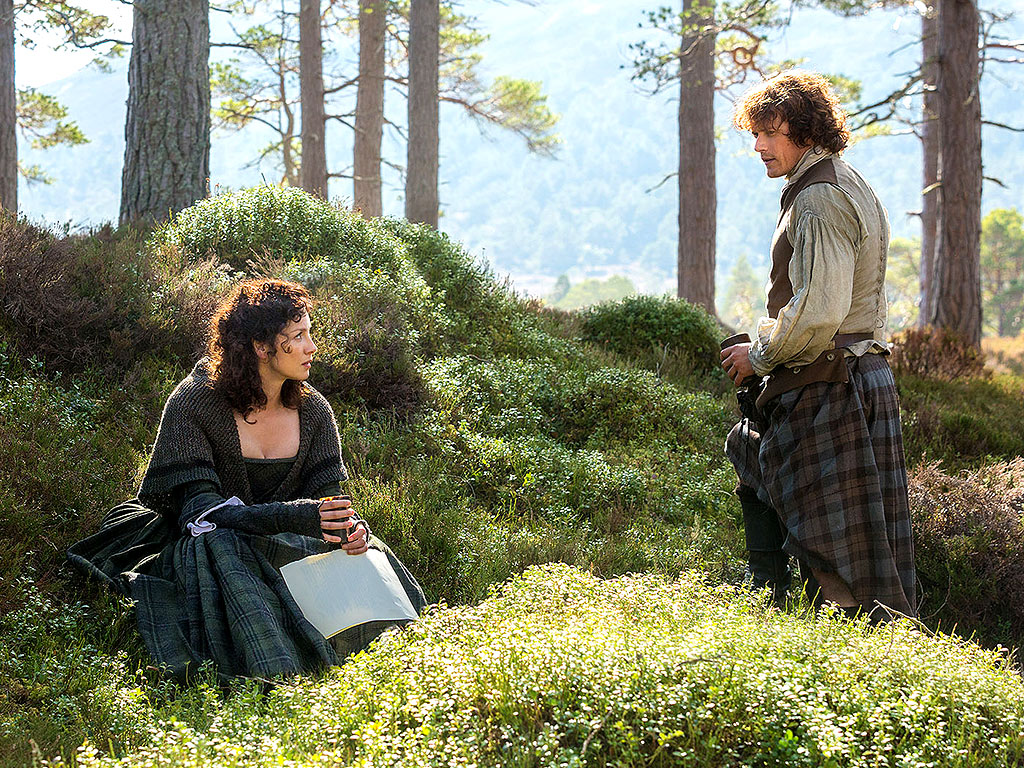 FIRST LOOK: Claire Marries Jamie on Outlander (PHOTOS)