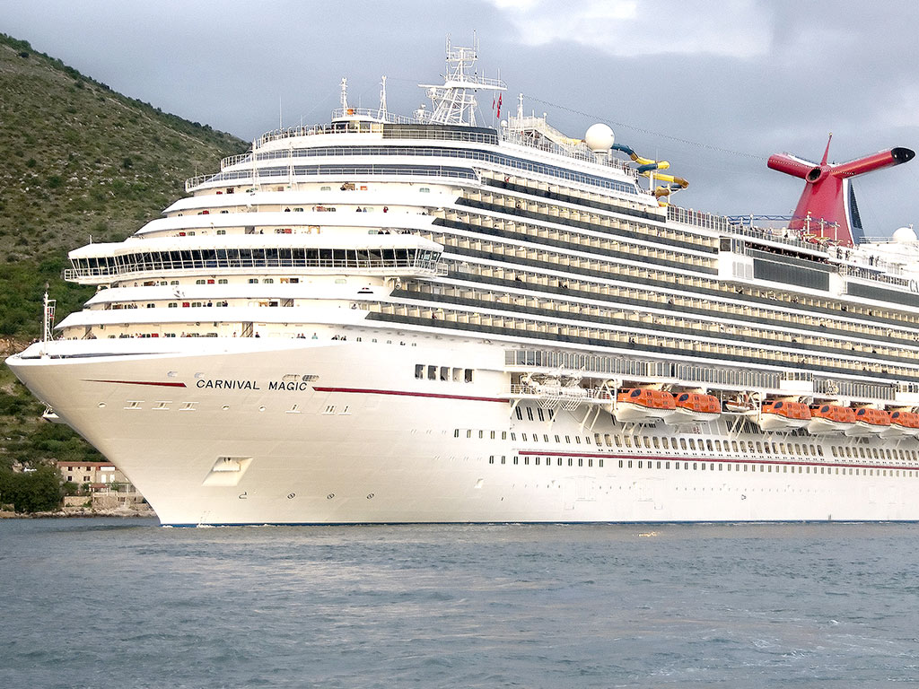 Dallas Health Worker Who Handled Ebola Specimen in Isolation on Cruise Ship