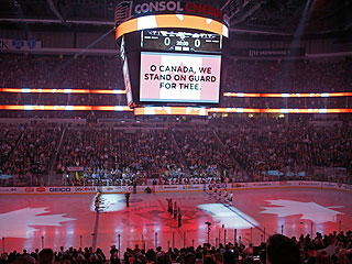 Pennsylvania Hockey Fans Sing 'O Canada' at Game in Touching Show of Support (VIDEO)