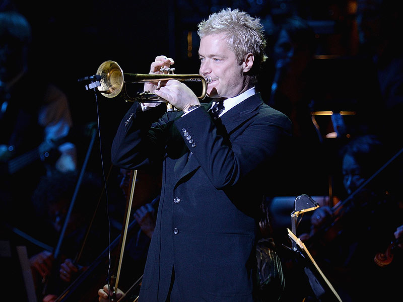 Chris Botti S National Anthem Wows Football Crowds