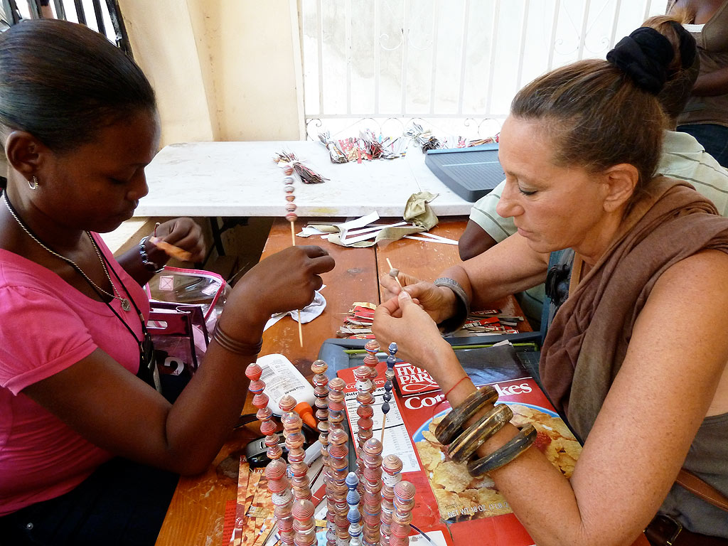 Donna Karan S Urban Zen Foundation Helps Haitian Artisans