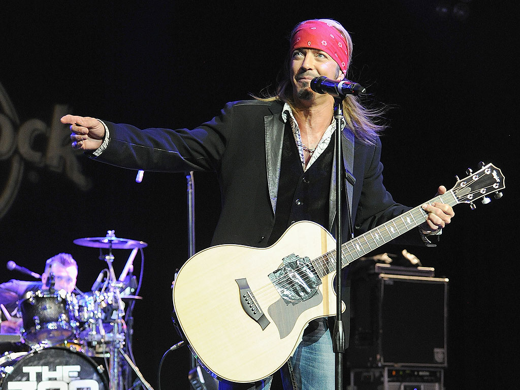 bret michaels rushed to hospital for kidney surgery. Black Bedroom Furniture Sets. Home Design Ideas