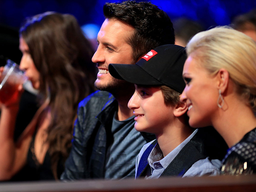 Luke Bryan Brings Nephew to American Country Countdown Awards