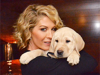 The Daily Treat: Growing Up Fisher Cast Adopts Labrador Retriever | Animals & Pets, Stars and Pets, Cute Pets, Pet News, Jenna Elfman