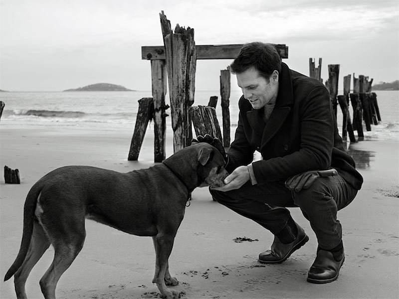 Tom Brady and Dog Lua in UGG Australia: Video
