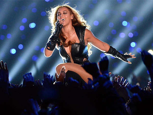 Super Bowl Halftime Shows: See Beyonce to Michael Jackson