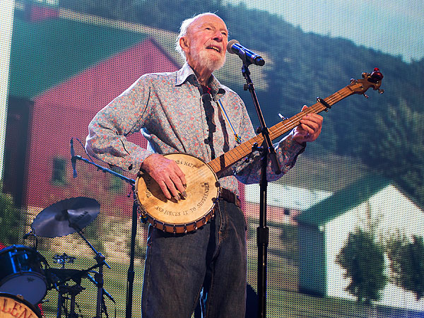 Pete Seeger Dead: Discover the Twitter Wisdom of the Late Folk Singer
