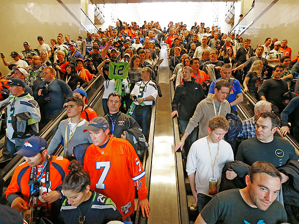 Super Bowl Secaucus Junction Crowd: See the Traffic Jam for the Ages