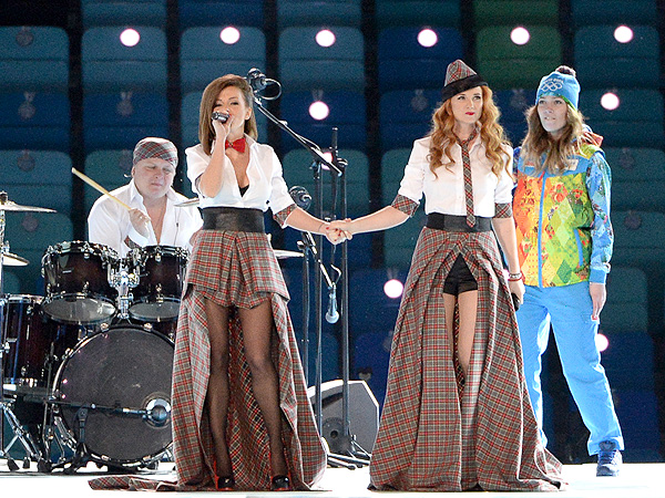 t.A.T.u Performs at the Pre-Show to the Olympic Opening Ceremony