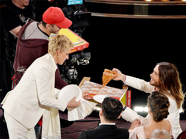 Oscars 2014: Every Celebrity Who Got Pizza From Ellen