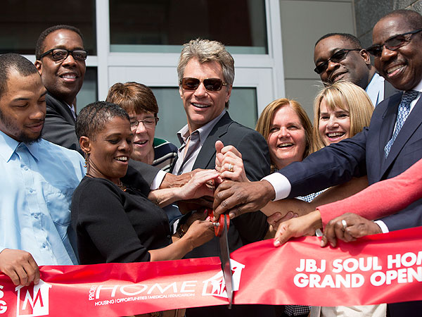 Jon Bon Jovi Charity Builds Low Income Housing In Philadelphia