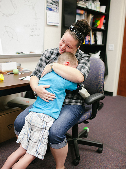 Alex Pring: 6-Year-Old Boy Hugs Mom for First Time with New Bionic Arm