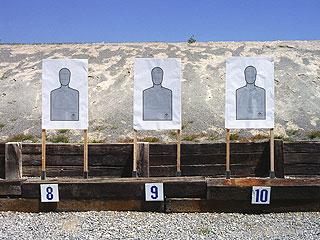 9-Year-Old Girl Accidentally Kills Gun Instructor with Uzi