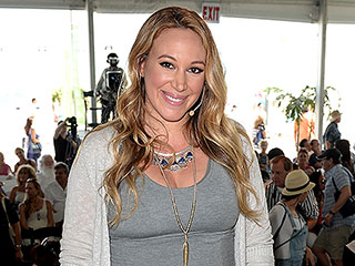 Haylie Duff: I'm 'Fighting the Good Fight' Against Maternity Clothes