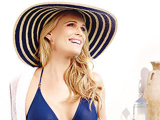 Molly Sims: Why I'm Waiting to Buy Baby Girl Clothes
