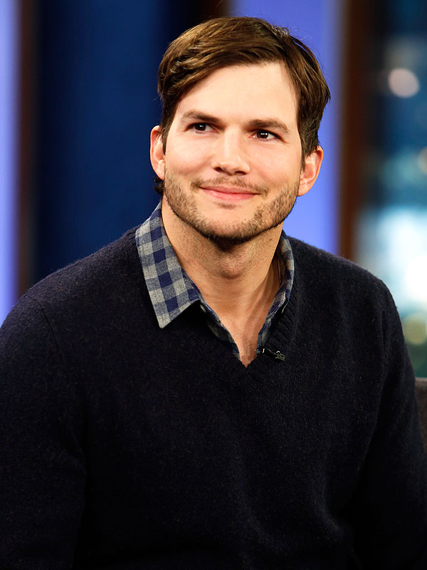 Ashton Kutcher ashton kutcher surprises his mom with home remodel for ... Ashton Kutcher