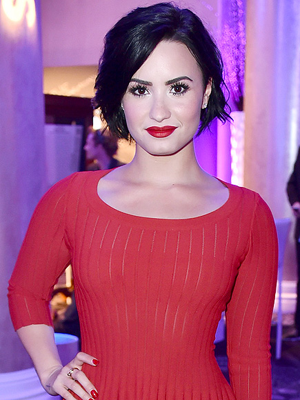 Demi Lovato Shares a Bikini Pic, Says You Don't Have to Have a Thigh ...