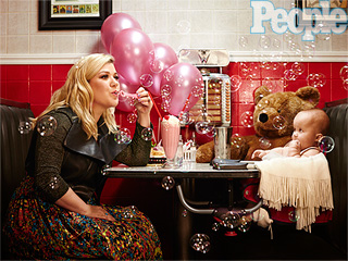 Go Behind the Scenes with Kelly Clarkson and River at Their PEOPLE Cover Shoot!