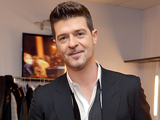 Robin Thicke Dazzles Court with Piano Medley During Testimony in 'Blurred Lines' Trial