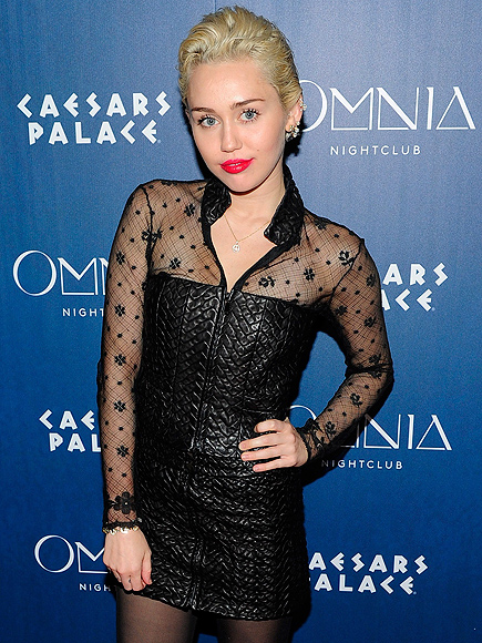 Miley Cyrus Parties in Vegas – but Keeps It Surprisingly Mellow