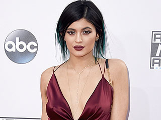 Kylie Jenner Reveals the Truth Behind Her Full Lips: 'I Have Temporary Fillers'