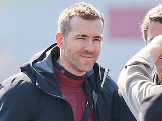 Ryan Reynolds Meets Vancouver Mayor on Deadpool Set and Makes Some Interesting Requests