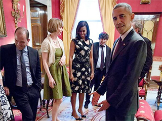 Toddler Throws Tantrum in Front of President Obama (PHOTO)
