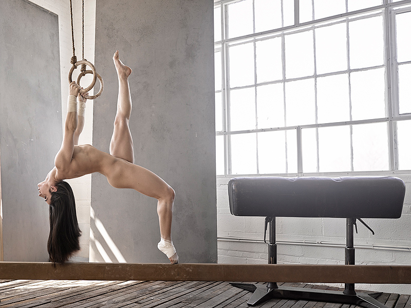 Gymnast bares all for mag: Aly Raisman Espn Body Issue