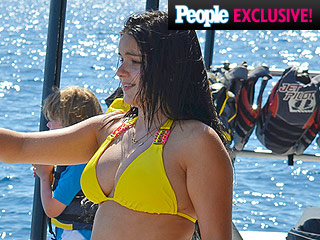 Modern Family Actress Ariel Winter Jet-Skis in a Yellow Bikini with Her Boyfriend in Maui
