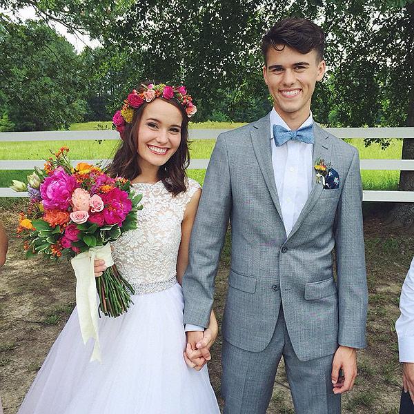 Duck Dynasty: Mary Kate and John Luke Robertson Share Wedding Photo