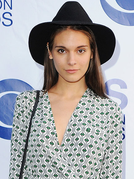Caitlin Stasey, Good Weekend Magazine Feud After Canceled Nude Photo Shoot