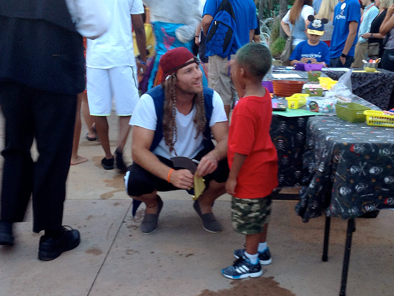 Juan Pablo Galavis (and 120 Other Reality Stars) Dress Like Pirates for Give Kids the World