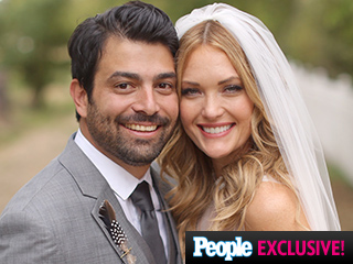 Amy Purdy Weds Longtime Boyfriend Daniel Gale in 'Outdoorsy' Idaho Wedding