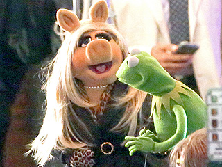 WATCH: Find Out Why Kermit Now Has a Reason to Be Jealous of Miss Piggy in New Muppets Promo