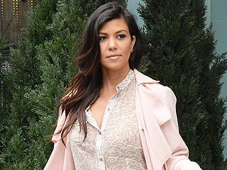 Kourtney Kardashian Tweets Bible Verse About Love: 'Above All Else, Guard Your Heart'