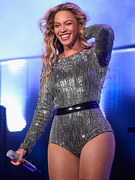 Beyonce Covers Whitney Houston's 'I Will Always Love You': Video