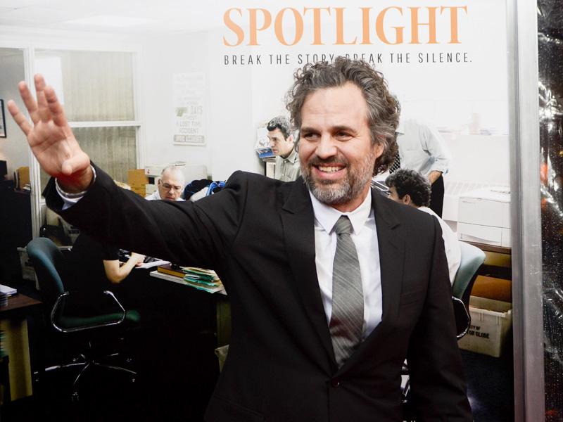 Mark Ruffalo Talks Hypocrisy of Catholic Church at Spotlight Premiere