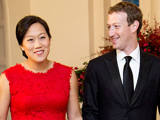 Mark Zuckerberg Is 'Thankful' for Family, Shares Sweet Photo of Pregnant Wife Priscilla Taken By Annie Leibovitz