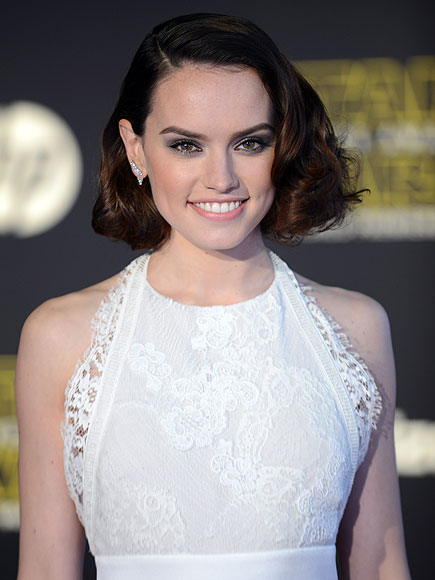 Daisy ridley admits she was starstruck at star wars premiere people