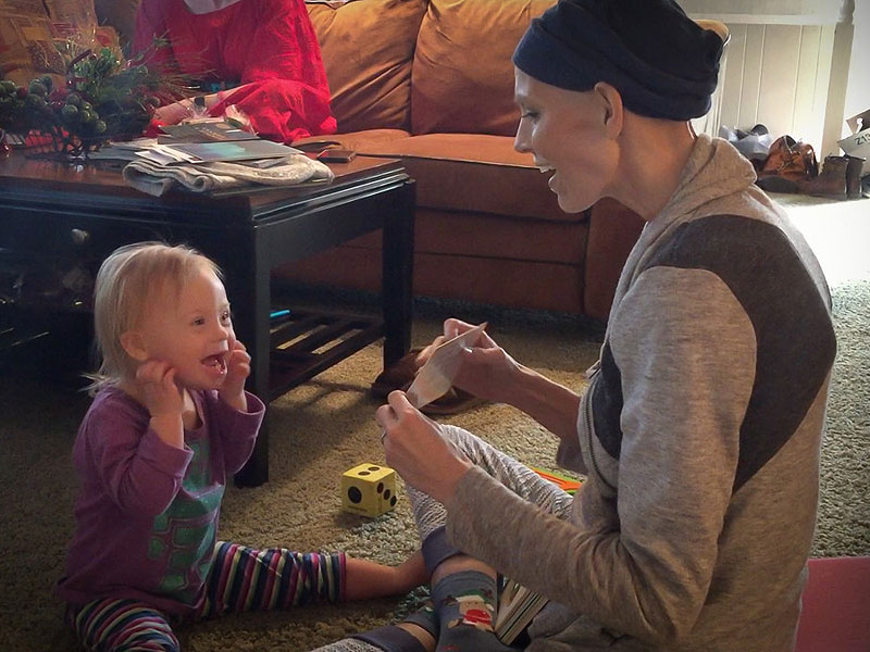 Joey Feek Bonds With Friends And Family As Hospice Care