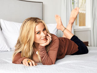 Christina Applegate on Remaking Vacation, Motherhood and Life After Breast Cancer