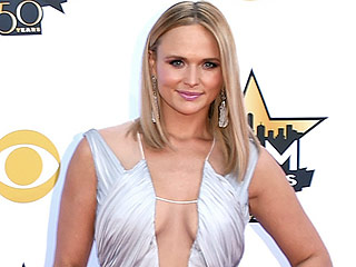 Miranda Lambert Looks Sexier Than Ever at the ACM Awards