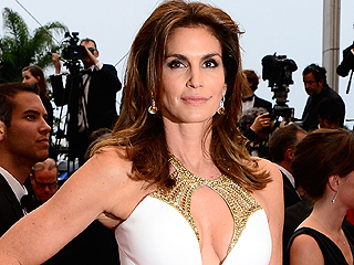 Cindy Crawford Addresses Her Viral Unretouched Photo: 'It Was Malicious'