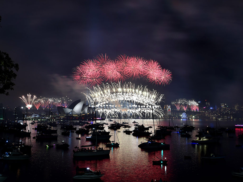 New Year's Eve Celebration Begins Around the World