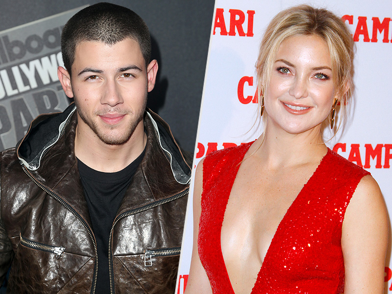 Who is nick jonas dating in Sydney