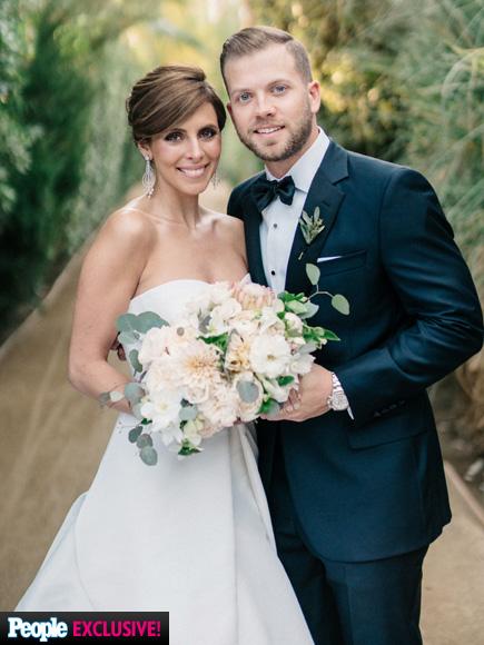 Jamie-Lynn Sigler and Cutter Dykstra Share Official Wedding Portrait